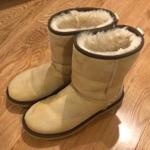 MUST SELL QUICK Ugg Boots
